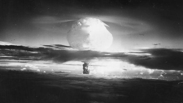 американские испытания ядерного оружия на атолле Эниветок в 1950-х