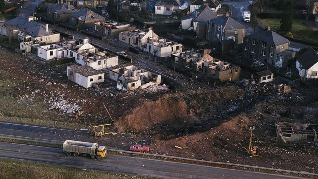 Damages caused by the Lockerbie bombing.