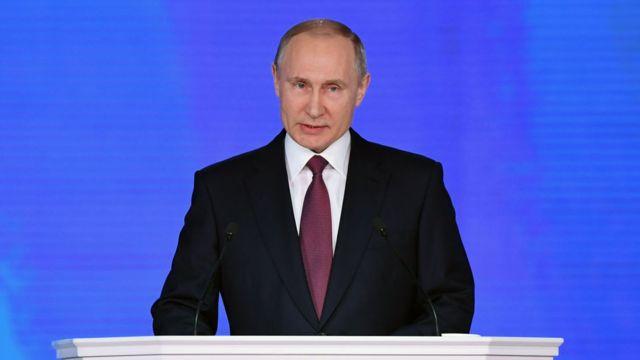 年次教書演説をするプーチン大統領(1日、モスクワ)