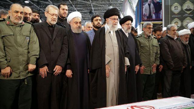Aiatolá Khamenei no velório de Soleimani