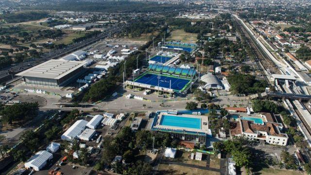 A imagem mostra o Centro Olímpico de Hóquei, a Arena da Juventude e o Centro Aquático de Deodoro,