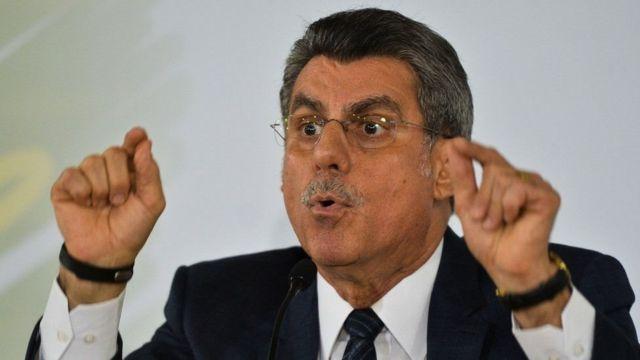 Romero Jucá se defende em coletiva após revelação de áudios