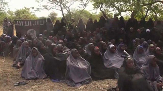 2014年5月に公表された拉致少女たちの映像から