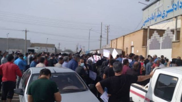 این چندمین تجمع مردم سربندر در اعتراض به شیوه مدیریت سیل است