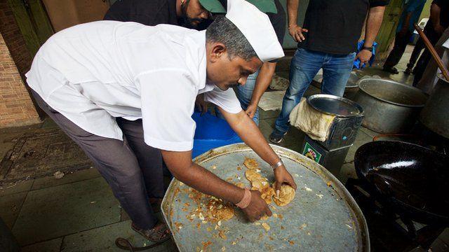 Dabbawala taking food