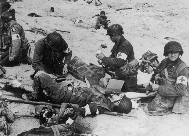 Раненые в Нормандии