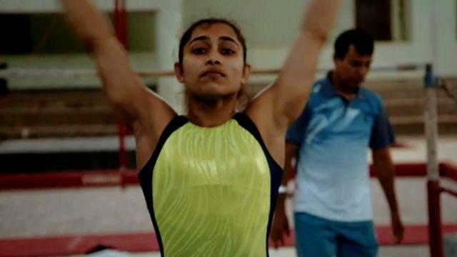 A ginasta indiana Dipa Karmakar durante treino