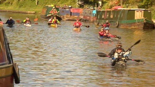 Canoeist dies during annual Devizes to Westminster race