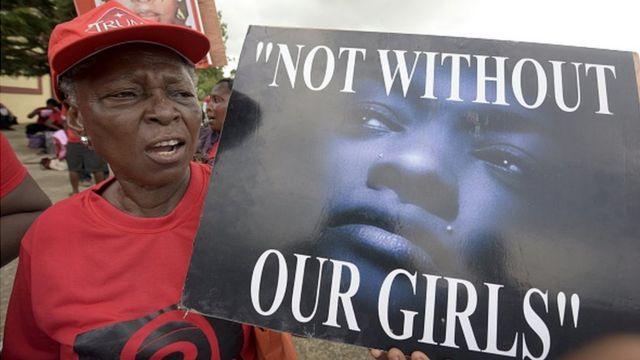 Le 14 avril 2016, les membres du mouvement 'Bring Back Our Girls' faisaient pression sur le gouvernement pour activer la libération des écolières de Chibok disparues le 14 avril 2014 dans le Nort-Est du Nigeria