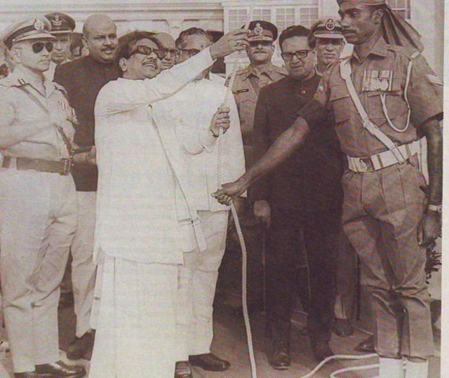 முதன் முறையாக சுதந்திர தினத்தில் கொடியேற்றும் வாய்ப்பு முதல்வருக்கு கிடைத்தது - 1969ல் கருணாநிதி கோட்டையில் கொடி ஏற்றுகிறார்
