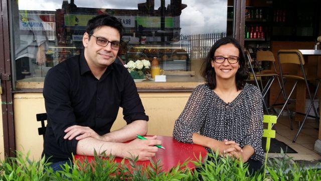 Ricardo Zagotto, da Abras, e a jornalista Simone Pereira
