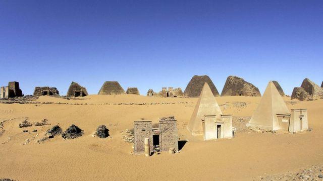Pirâmides de Meroe