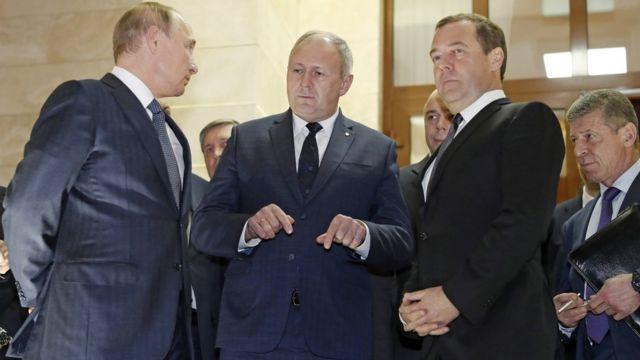 Президент России Владимир Путин, премьер-министр Беларуси Сергей Румас и российский премьер Дмитрий Медведев