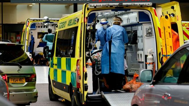 Ambulancia en Reino Unido.