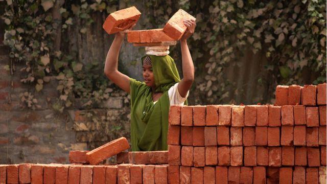 Trabajadora en India