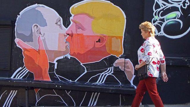 プーチン氏とトランプ氏を描いたリトアニアの壁画