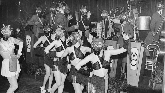 Dançarinas mascaradas