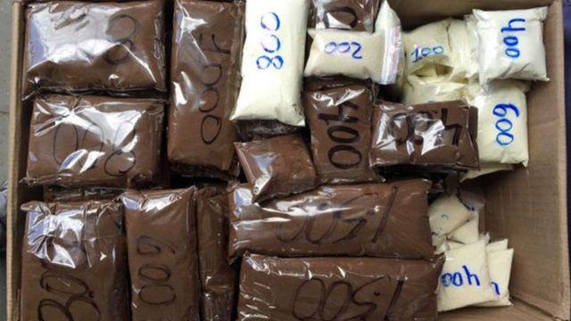 Alimentos vendidos em microembalagens na Venezuela