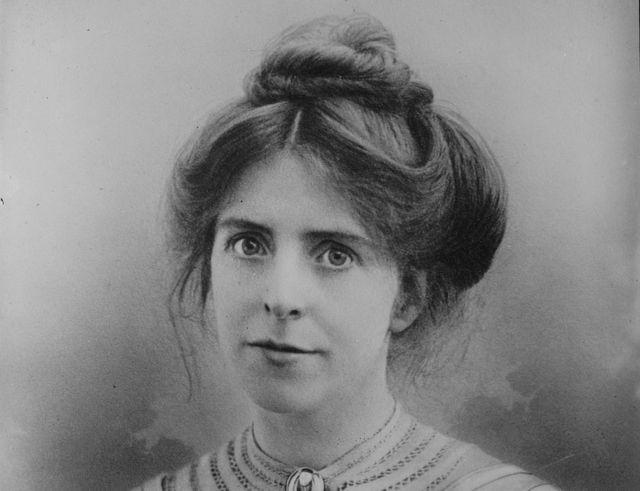 Annie Kenney: Statue to mark 'overlooked' suffragette