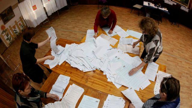 Conteo de votos en Krasnoyarsk, Siberia