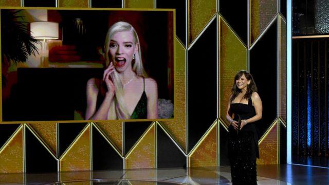 Golden Globes 2021: estos son los ganadores de los premios a lo mejor del cine y la televisión de Hollywood - BBC News Mundo