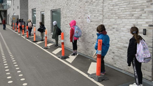 Students dey queue for Copenhagen school