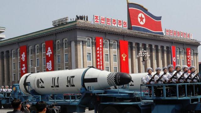Míssil Pukkuksong em desfile militar neste sábado em Pyongyang