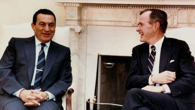حسني مبارك والرئيس الأمريكي الراحل جورج بوش