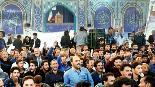 کشاورزان اصفهانی در نماز جمعه