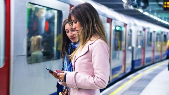 Wi-fi data could ease London Underground overcrowding