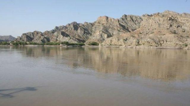 भारत और पाकिस्तान के बीच साल 1960 में सिंधु जल संधि हुई थी.
