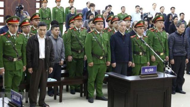 Hàng loạt quan chức cao cấp nhà nước bị đưa ra xét xử vì tham nhũng trong những năm qua.