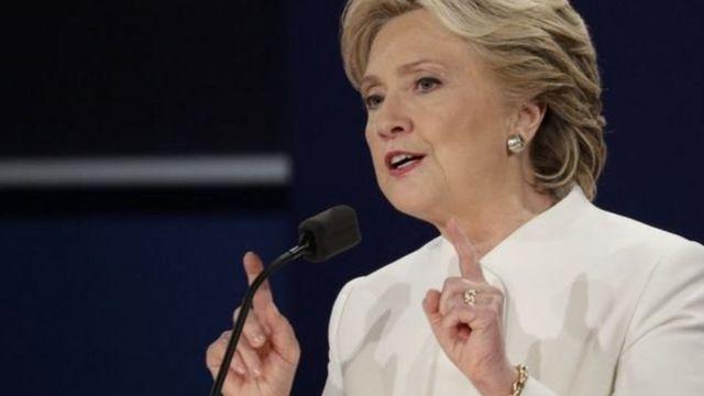 नेवाडा में गुरुवार को हुई बहस में हिलेरी क्लिंटन.