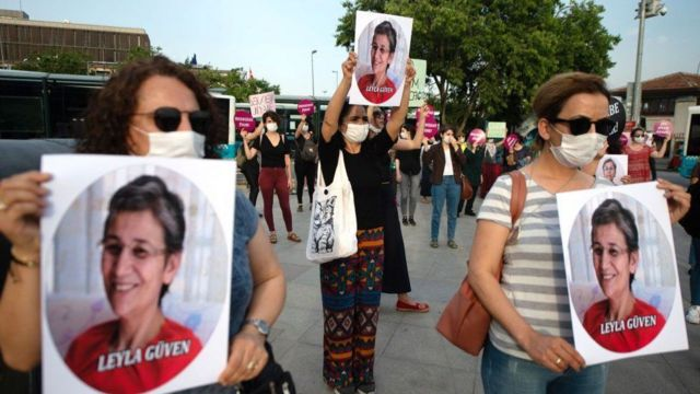 Leyla Güven cezaevindeyken HDP'den Hakkari milletvekili seçilmişti