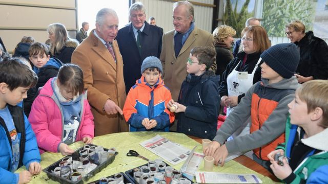 Принц Чарльз среди школьников