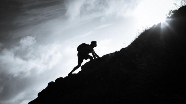 Praticante de hiking