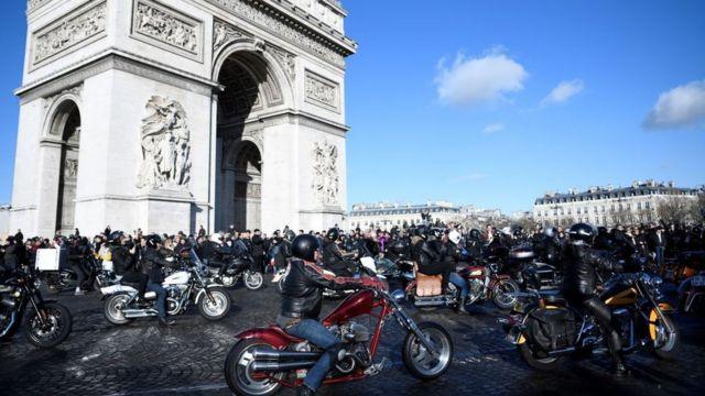 las motocicletas Harley Davidson.