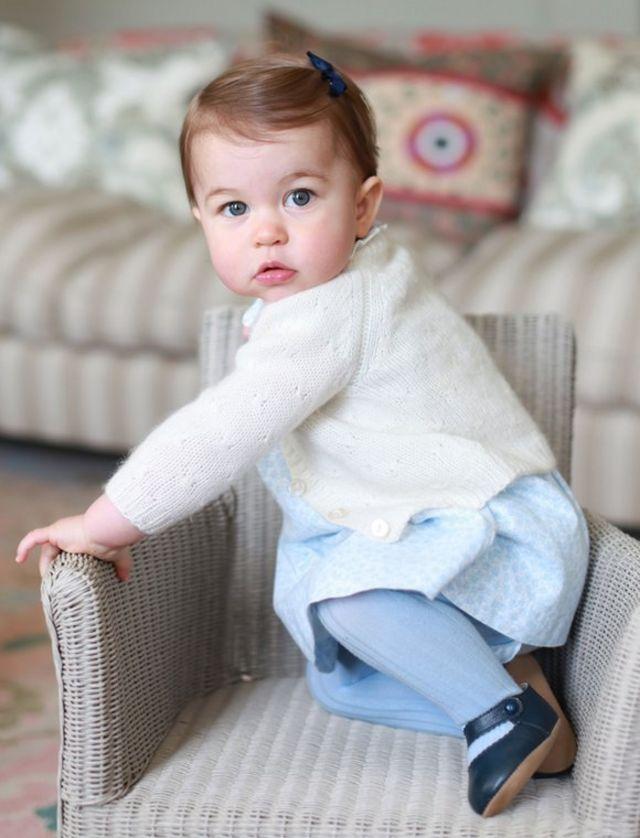 4月撮影のシャーロット王女