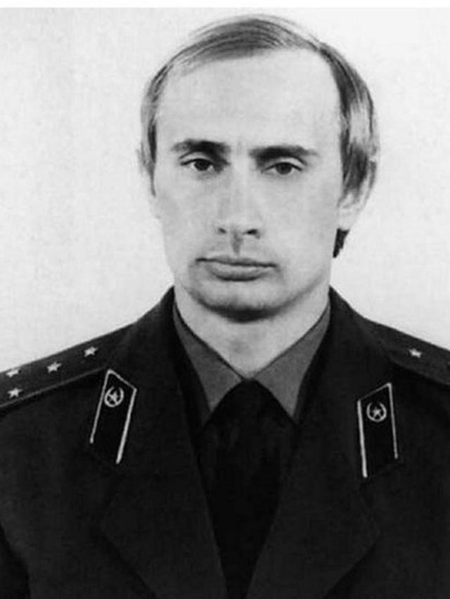 بوتين في زي المخابرات الروسية