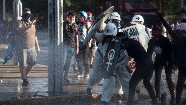 Protests in Santiago de Chile on November 6, 2020