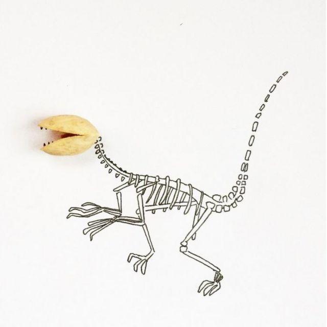 Dinosaurio con cabeza de pistacho