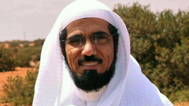 سلمان العودة: نجل الداعية السعودي يقول إن والده يتعرض