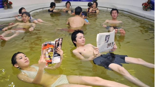 日本では週刊誌が人気だが週刊文春ほど前のめりな媒体は少ない