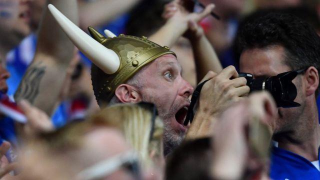 Фанат сборной Исландии