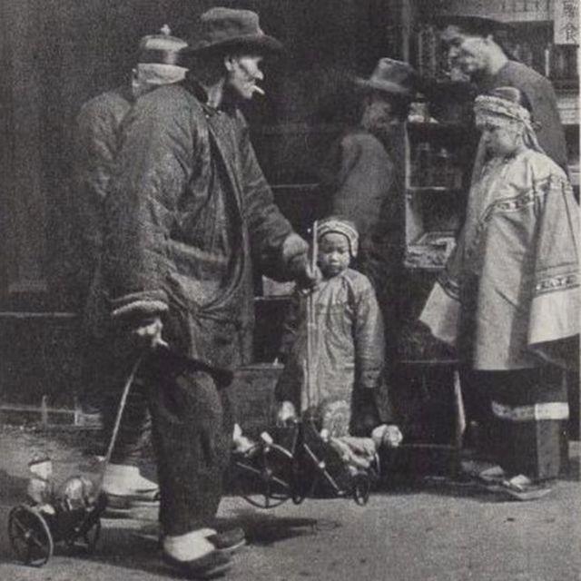 Un vendedor de juguetes