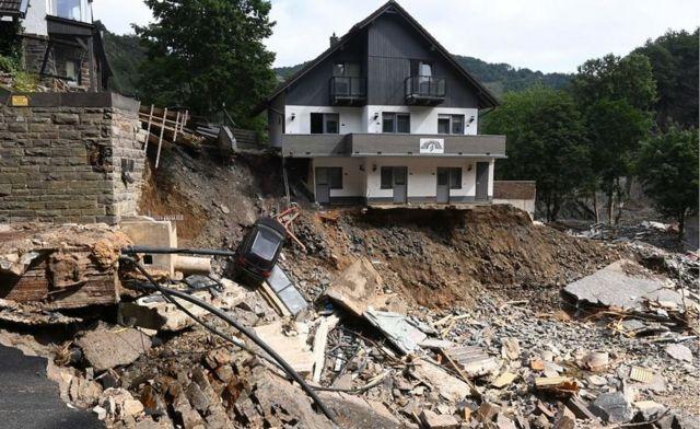 A flood crater in Altenahr, 19 Jul 21