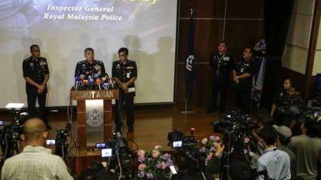 الشرطة الماليزية تقول إن غاز الأعصاب هو المادة أدت إلى مقتل كيم جونغ نام بعد تحليل عينات من جسمه.