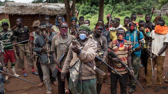 Un ancien fonctionnaire de la République centrafricaine (RCA) arrêté pour crimes de guerre - BBC News Afrique
