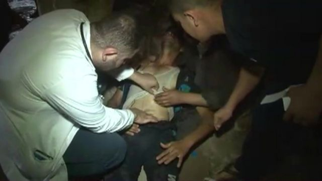 Video footage showing Iraqi man from Saqlawiya receiving treatment after allegedly being tortured during detention by Shia militiamen (6 May 2016)