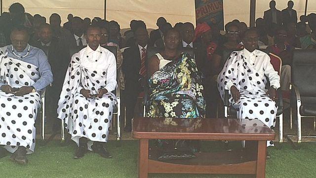 Minisitiri w'umuco na siporo, Julienne Uwacu (uwa kabiri uvue iburyo), yavuze ko Umuganura ufite agaciro gakomeye mu Rwanda